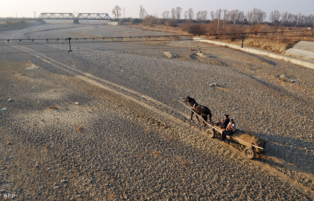 Kiszáradt folyómeder Romániában