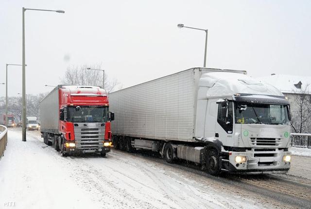 szeged kamion híd DVETT20110225002