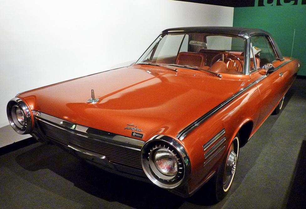 1954-től kezdve huszonöt éven át foglalkozott a Chrysler gázturbina-hajtású autók kifejlesztésével. Mintegy ötven autót készítettek, amelyeket tapasztalt vezetőknek adtak ki tesztelésre. A Ghia által tervezett, csinos karosszériába bújtatott autók nem váltották be a cég reményeit. A tesztelők nemcsak a turbina magas üzemanyag-fogyasztására panaszkodtak, de az autók nehéz kezelhetőségére is. Nyolc példány kivételével, amelyek ma autómúzeumok tulajdonában vannak, a többi kísérleti autót szétszerelték és megsemmisítették.