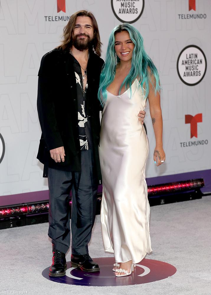 A lapozgató másik férfiúja Juanes, azon egyszerű okból, hogy ő az egyetlen, akit a megjelentek közül rajta kívül ismerek (nyilván emiatt), és lefotózták