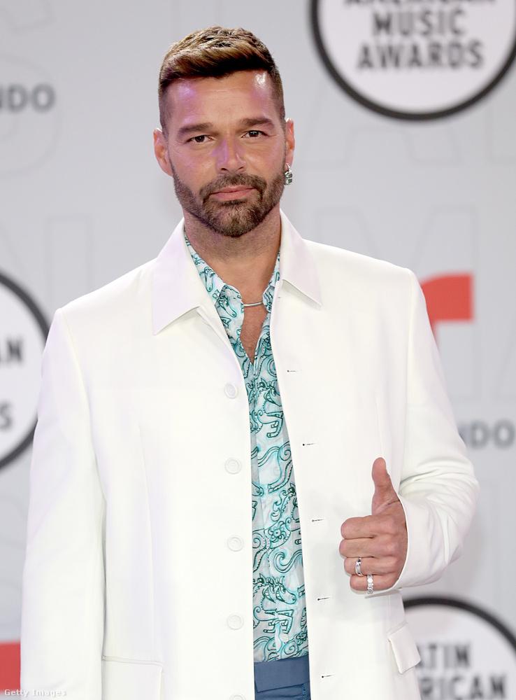 Április 15-én tartották a Latin American Music Awards nevű rendezvényt Floridában (egészen pontosan itt)