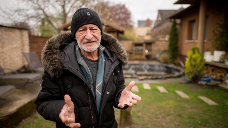 Reviczky Gábor a pecások életét megkeserítő fekete seregről