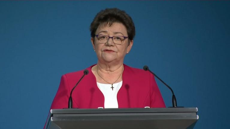 Müller Cecília: Egy koronavírusos beteg egy embert fertőz meg