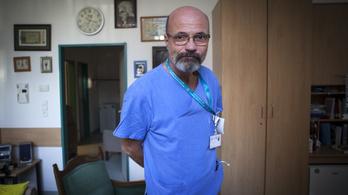 Nem tetszik Kásler Miklós főtanácsadójának, hogy Zacher Gábor nyíltan beszél a kórházi állapotokról
