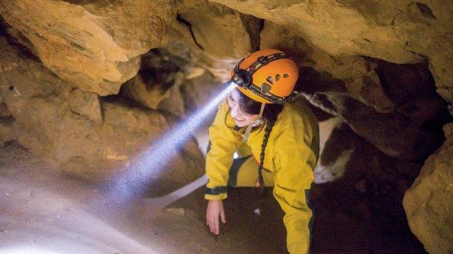Kúszás-mászás Magyarország földfelszíne alatt