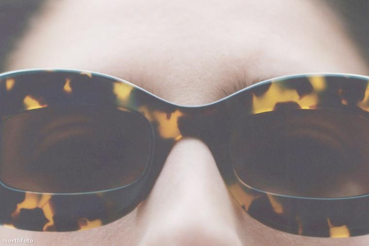 De íme a további, hagyományosabb napszemüvegek a Nanushkától.