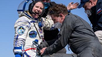 Két orosz és egy amerikai űrhajós visszatért a Földre