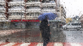 Borúra nem derű, hanem eső jön