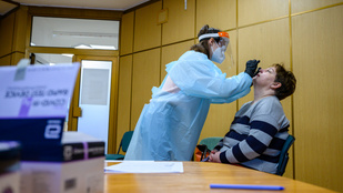 A túlsúlyos gyerekekre igazán veszélyes a koronavírus