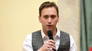 Adománnyal támogatja egy ellenzéki politikus Áder János alapítványát