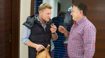 Tiborcz István kastélyszállójában 1,3 millió forintért is árulnak pezsgőt