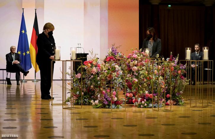 Angela Merkel a berlini szertartáson 2021. április 18-án