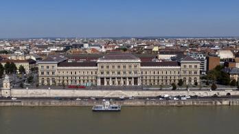 SRF: A Fideszhez közel álló embereknek játsszák át a magyarországi közvagyont