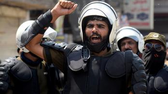 Pakisztánban túszul ejtett hat rendőrt egy szélsőjobboldali csoport