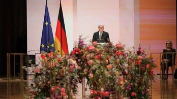 Németország fejet hajtott a koronavírus-járvány áldozatai előtt