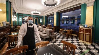 Svájc enyhít: nyitnak a színházak és az éttermi teraszok