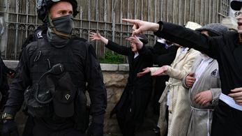 Palesztin tüntetők tűztek össze rendőrökkel Jeruzsálemben