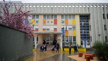 Újranyitottak az iskolák, ma kiderül, mennyi lesz a diák
