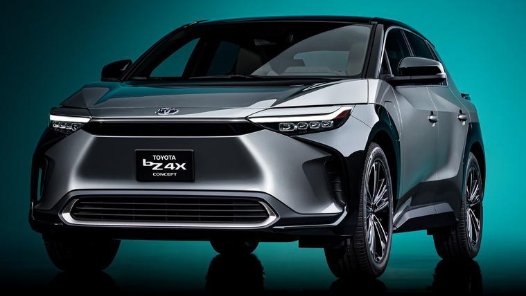 Hülye nevű villanyautót mutatott a Toyota