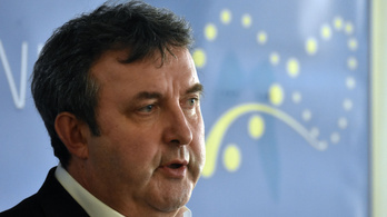 A kormány módosítani akarja a lex CEU-t
