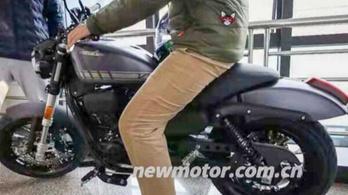300-as Harley-t lestek meg Kínában