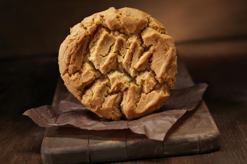 A híres, amerikai mogyoróvajas keksz receptje: 3 hozzávalóból készül