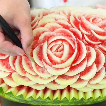 Elképesztő gyümölcs- és zöldségfaragások – Pár perc alatt készülnek el az alkotások