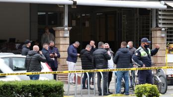 Öt imádkozót sebzett meg egy késes támadó Albániában