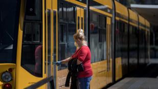 Föld napja: az autósok ingyen használhatják a fővárosi tömegközlekedést