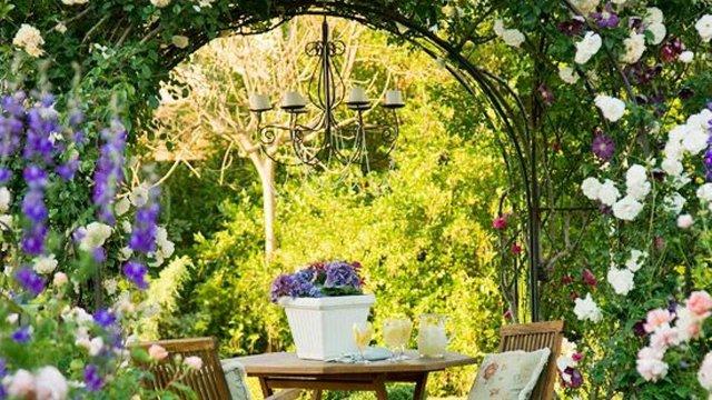Titokzatos gyönyörű kertek