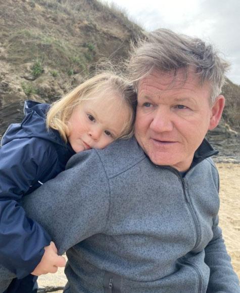 Gordon Ramsay felesége, Tana posztolta a szívmelengető fotót a család legkisebb tagjáról és férjéről.