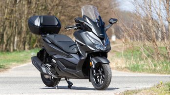 Teszt: Honda NSS125 Forza - 2021.