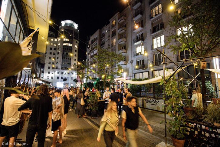 Budapest, VII. kerületi bulinegyed 2020. július 14-én