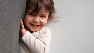 Egyik pillanatban hisztizik, a következőben kacag – normális, ha a gyerek ilyen gyorsan vált?