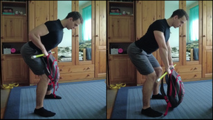 13 gyakorlat súlyzók helyett hátizsákkal az erős, formás felsőtestért