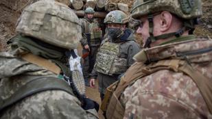 Újabb orosz katonai egységek érkeztek a Krímbe