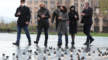 Az ellenzéki pártok közösen emlékeztek meg a koronavírus áldozatairól