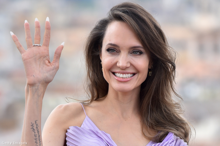 Angelina Jolie egy 2019-es premieren, olaszországban