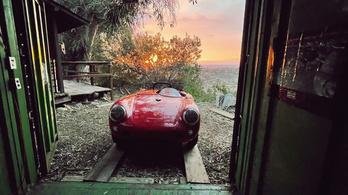 35 év után került elő a piros Porsche 550 Spyder