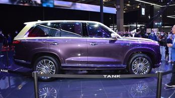 A Rolls-Royce terepjárónak is van már kínai utánérzése