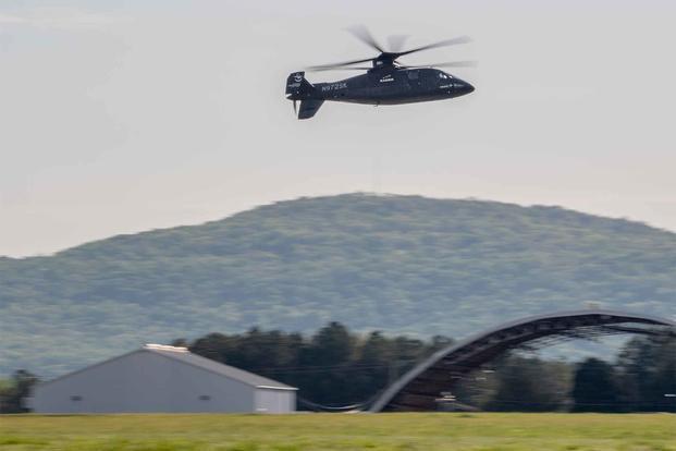 S-97 Raider, teljes sebességű repülés alacsony magasságon.