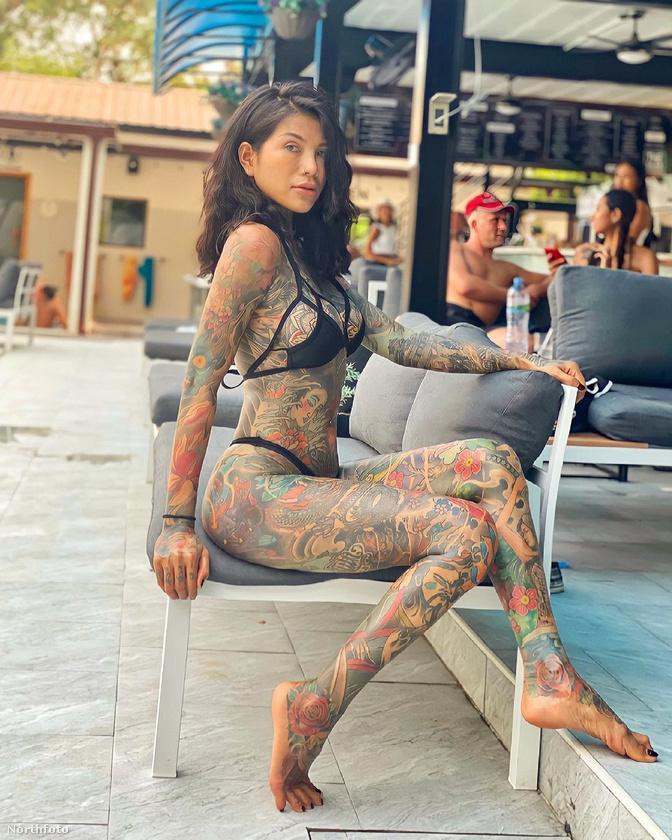 Sokan ugyanis leszólják a modell tetoválásait, illetve előfordul, hogy drogdílernek nézik, illetve megkérdőjelezik épelméjűségét