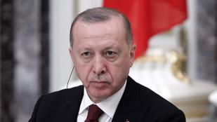A török elnök indoklás nélkül kirúgta a kereskedelmi minisztert