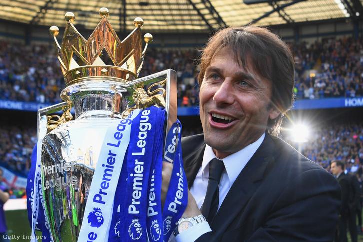 A Chelsea-vel is bajnok lett