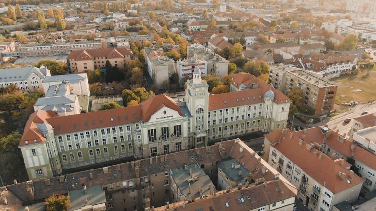Elit közgazdászokat nem csak Budapesten képeznek