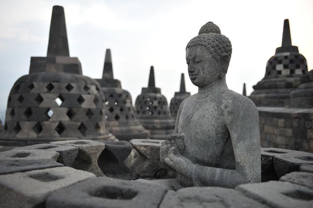 Borobudur: tele Buddhával
