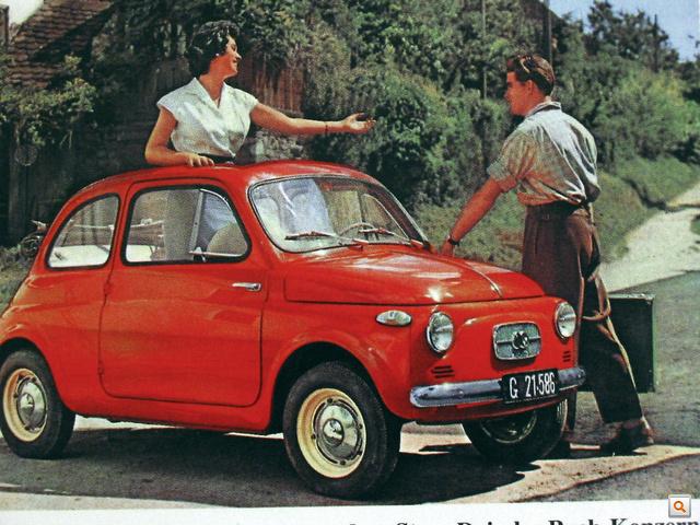 Pirosat nem akartam. De ilyen az én autóm is, egy szem díszléc van csak a csomagtérfedélen, orrán a spéci, csak Puchokra való, a Fiattól teljesen eltérő, domború ütköző, tévémaszk, nagy, dobozszerű ZKW-index