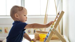 Csak egyszer lenne egy nyugodt félórám! – Így érd el, hogy önállóan játsszon a gyereked