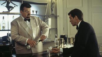 """""""Nem is iszogatunk Martinit"""" – állítja a brit kémelhárítás"""