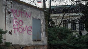 Még a végén Prága és Moszkva kölcsönösen bezárják egymás nagykövetségeit